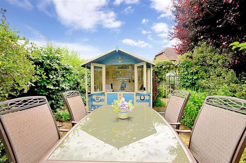 3 Bedrooms Bungalow for sale in Swan Lane, Sellindge, Kent