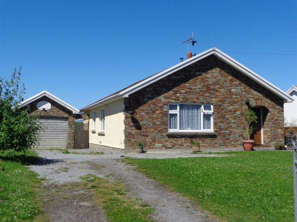 3 Bedrooms Detached Bungalow for sale in Holme Leigh, Jameston