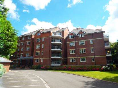 2 Bedrooms Flat for sale in 1 Tower Road, Poole, Dorset