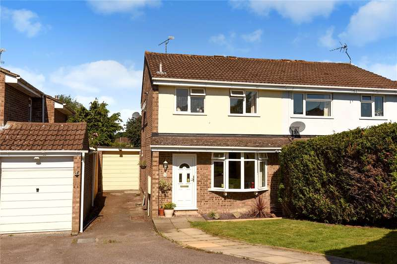 3 Bedrooms Semi Detached House for sale in Keble Way, Owlsmoor, Sandhurst, Berkshire, GU47