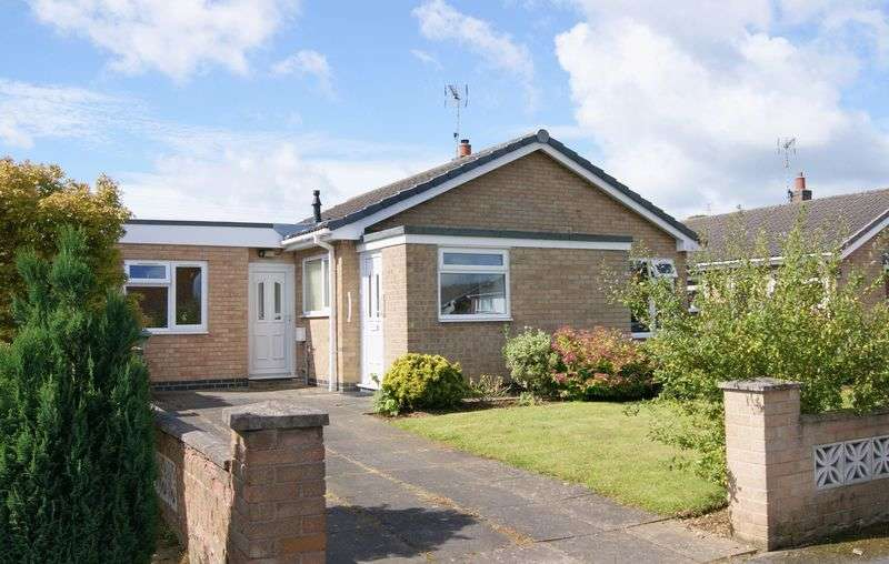 2 Bedrooms Detached Bungalow for sale in Windsor Drive, Grantham
