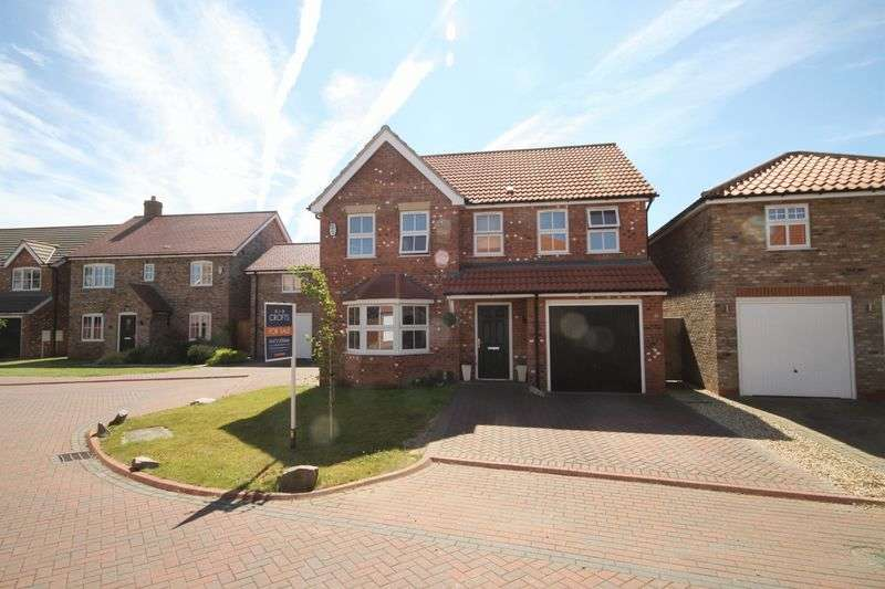 4 Bedrooms Detached House for sale in COTSWOLD CLOSE, CLEETHORPES