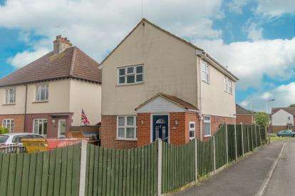 3 Bedrooms Detached House for sale in Benfleet, Essex, United Kingdom