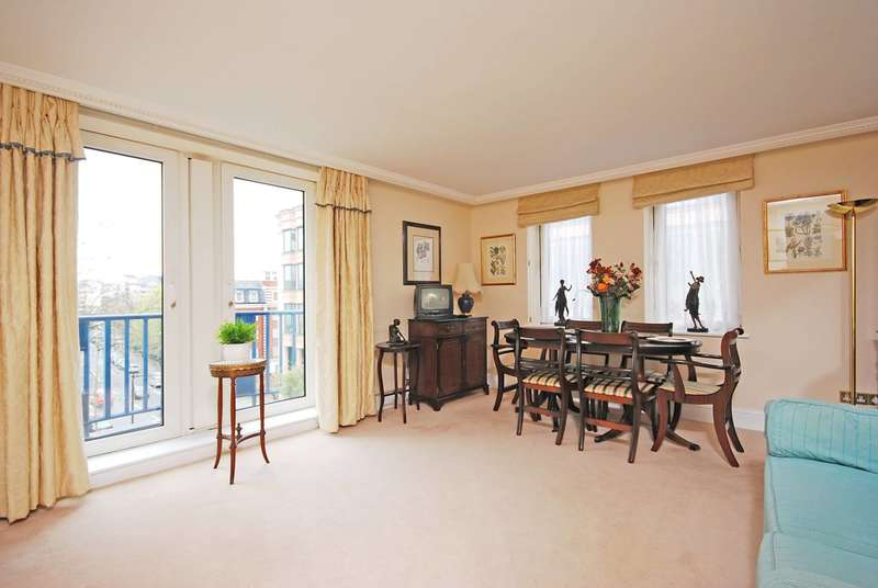 2 Bedrooms Flat for sale in Hayes Place, Marylebone, NW1