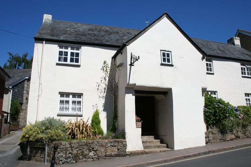 2 Bedrooms Semi Detached House for sale in Bovey Tracey