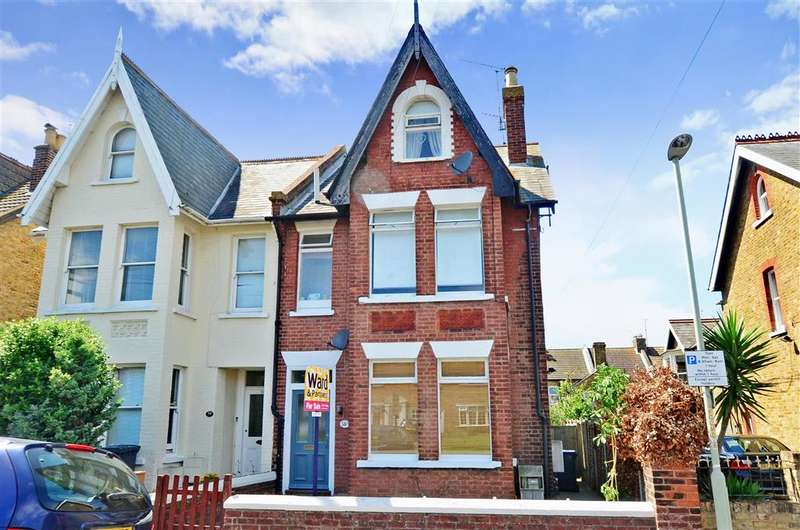 1 Bedroom Ground Maisonette Flat for sale in Cavendish Road, Herne Bay, Kent