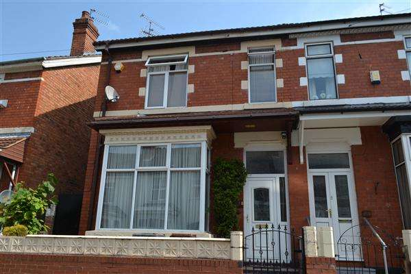 4 Bedrooms Semi Detached House for sale in Owen Road, Pennfields, Wolverhampton