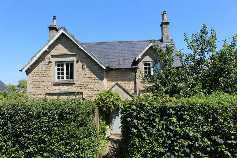 3 Bedrooms Detached House for sale in 76 Lickhill Road, Calne,