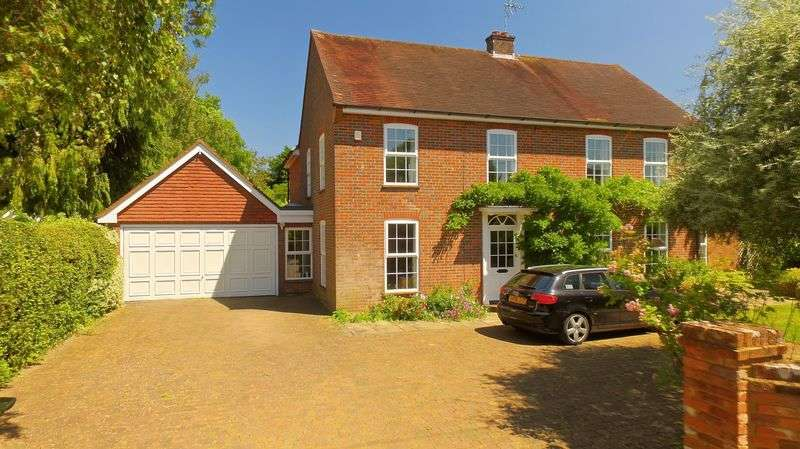 4 Bedrooms Detached House for sale in Oxford Street, Great Missenden