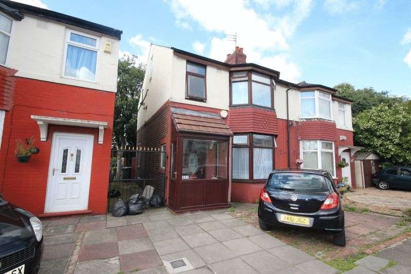 3 Bedrooms Semi Detached House for sale in Oldham Road, Middleton, Manchester M24 2DH