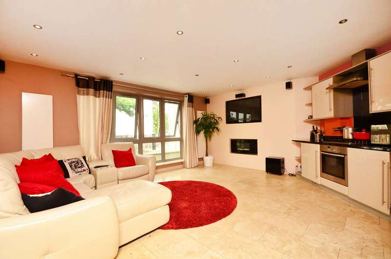 2 Bedrooms Flat for sale in Wellmeadow Road, Hanwell, W7
