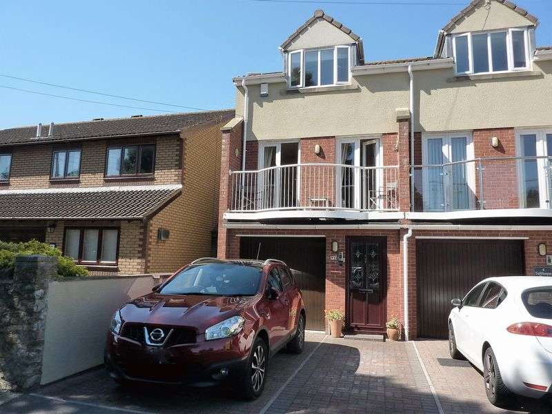 4 Bedrooms Semi Detached House for sale in Four bedroom town house in coastal position
