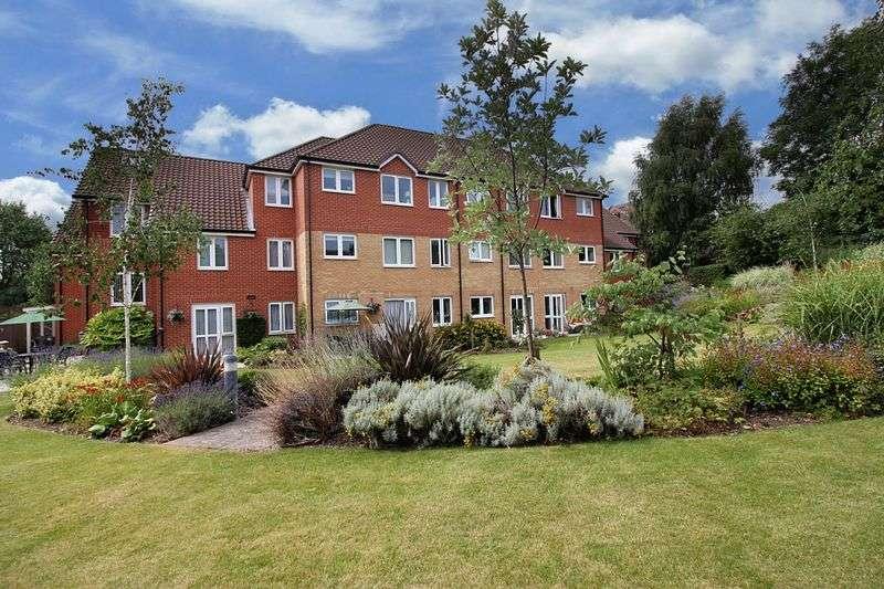 1 Bedroom Retirement Property for sale in Devereux Court, Woodford Green