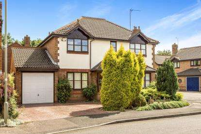 4 Bedrooms Detached House for sale in Woburn Close, Banbury, Oxfordshire