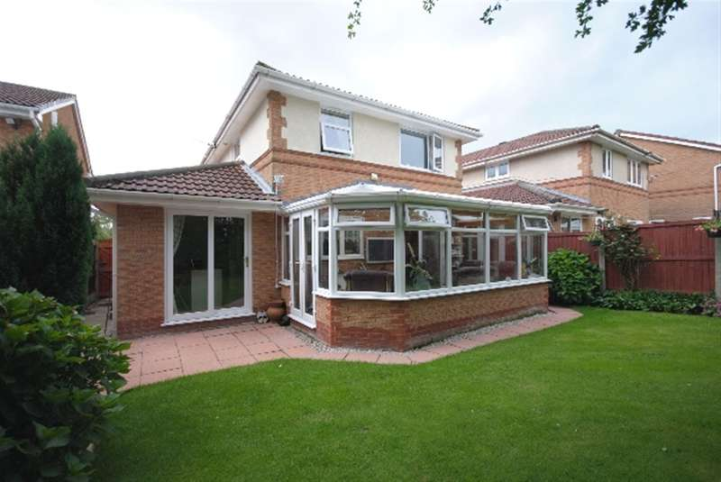 4 Bedrooms Detached House for sale in Melling Way, Winstanley, Wigan, WN3