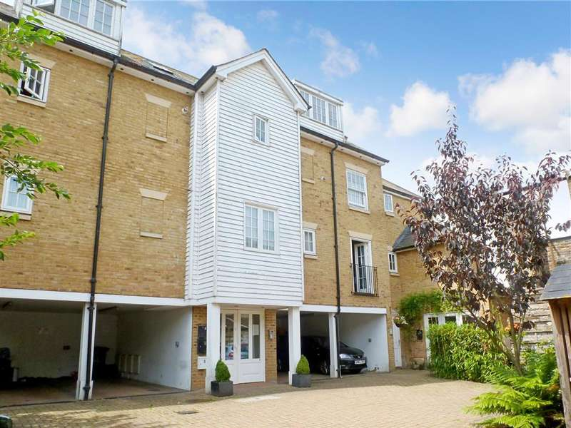 3 Bedrooms Terraced House for sale in Queens Courtyard, Dover, Kent