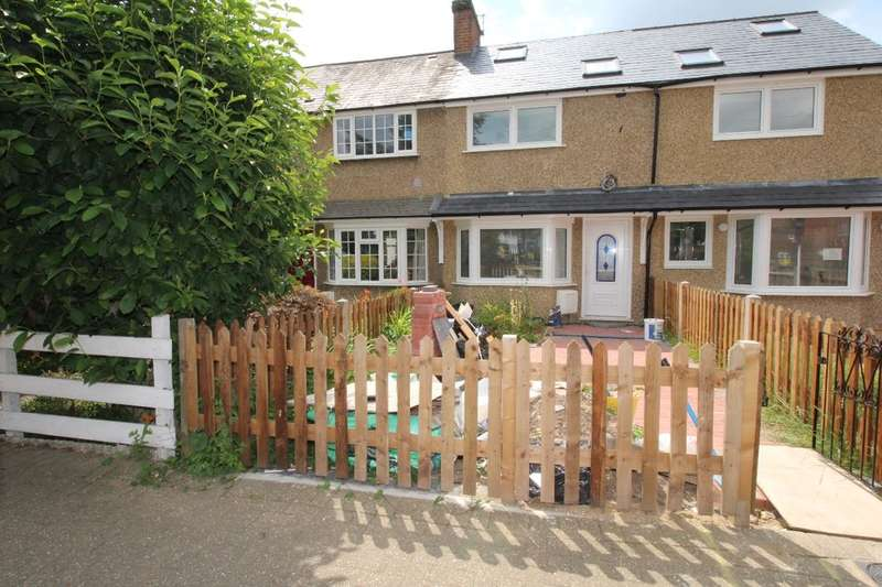 3 Bedrooms Property for sale in Hanworth Road, Hampton, TW12