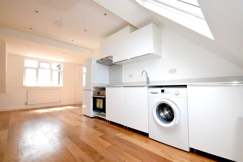 2 Bedrooms Flat for sale in GOLDERS GREEN ROAD, GOLDERS GREEN, LONDON, NW11