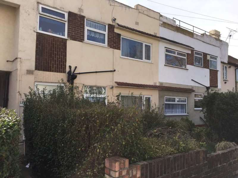2 Bedrooms Maisonette Flat for sale in St Marks Avenue, Gravesend