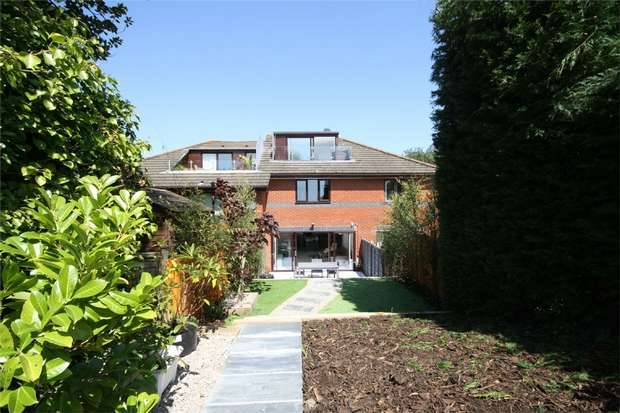 4 Bedrooms Town House for sale in LOWER PARKSTONE, Poole, Dorset