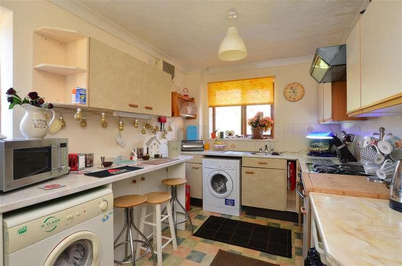 2 Bedrooms Maisonette Flat for sale in Mill Road, Deal, Kent