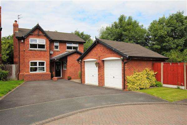 4 Bedrooms Detached House for sale in Brindle Fold, Bamber Bridge, Preston