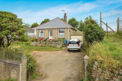 2 Bedrooms Bungalow for sale in Constantine, Falmouth, Cornwall