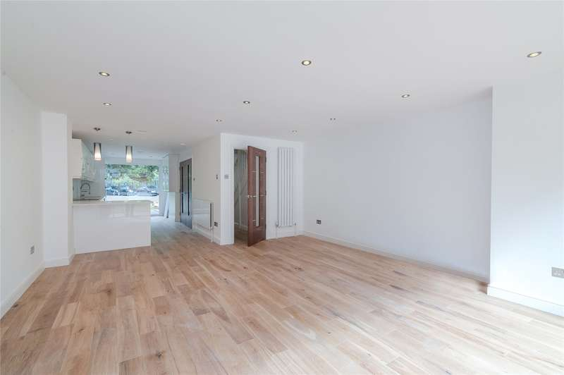 5 Bedrooms Terraced House for sale in Muir Drive, London, SW18