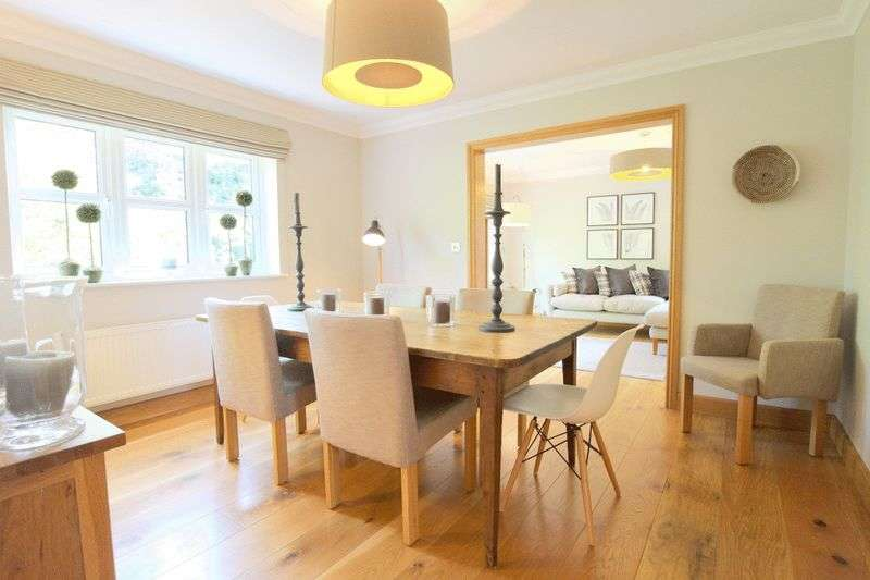 5 Bedrooms Detached House for sale in Kendal Way, Wychwood Park,