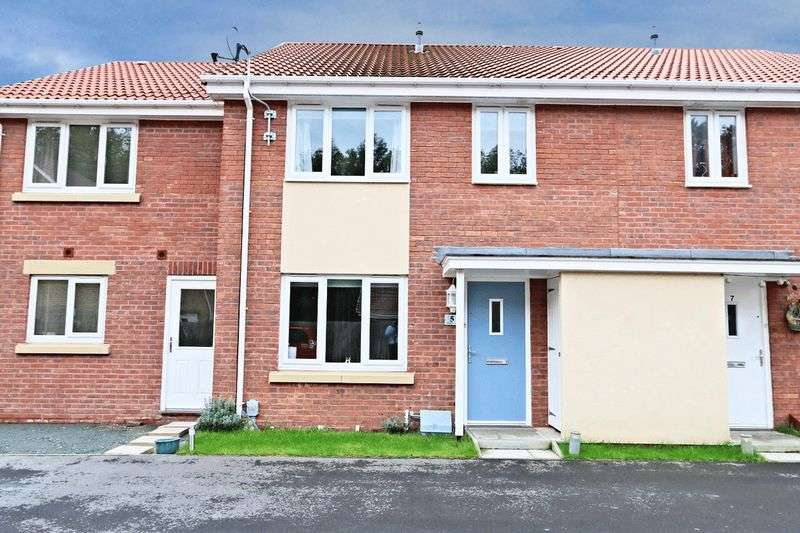 2 Bedrooms Terraced House for sale in Ladybower Way, Kingswood