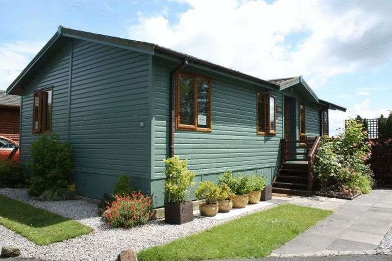 3 Bedrooms Bungalow for sale in 28 Pen-Y-Ghent, Bowland Fell Park, Tosside, North Yorkshire, BD23 4SD