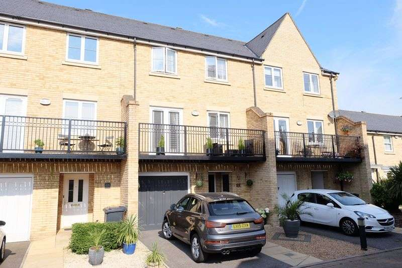 4 Bedrooms Terraced House for sale in Sandringham Drive, Dartford