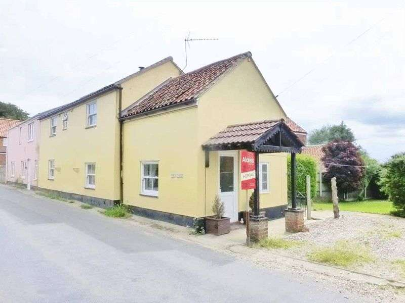 3 Bedrooms Semi Detached House for sale in Stokesby