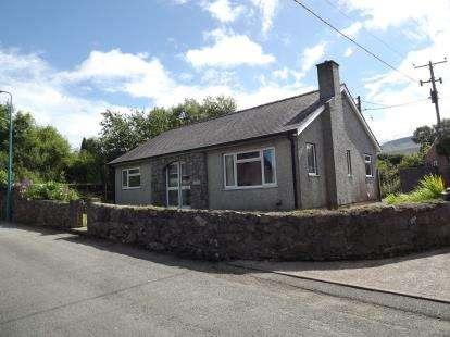 House for sale in Penisarwaun, Caernarfon, Gwynedd, LL55