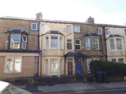 3 Bedrooms Terraced House for sale in Westminster Road, Morecambe, Lancashire, United Kingdom, LA4