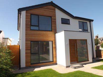 5 Bedrooms Detached House for sale in King George Road, South Shields, Tyne and Wear, NE34