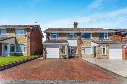 3 Bedrooms Semi Detached House for sale in Bank Side, Westhoughton, Bolton, Greater Manchester, BL5