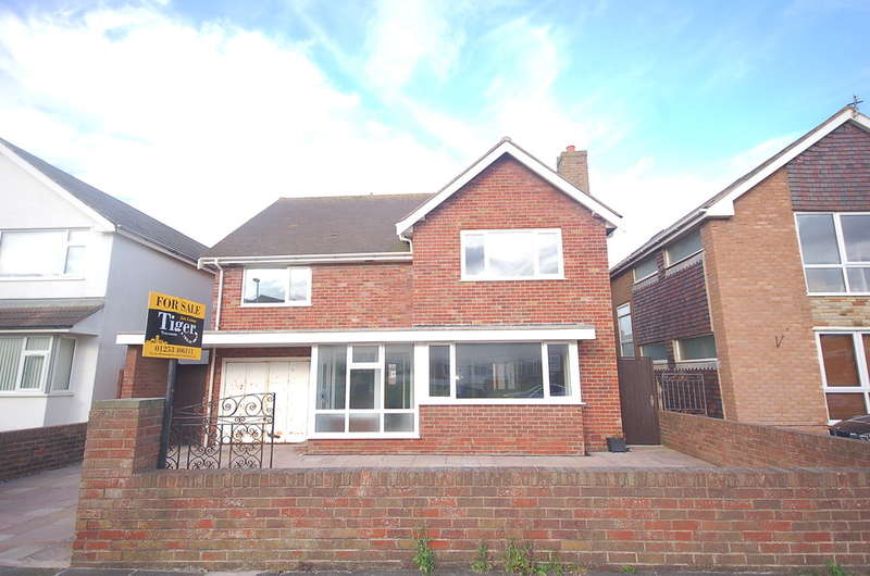 4 Bedrooms Detached House for sale in Huntingdon Road, Thornton-Cleveleys