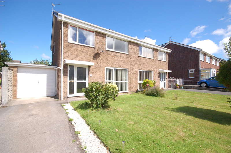 3 Bedrooms Semi Detached House for sale in Ribby Place, Blackpool