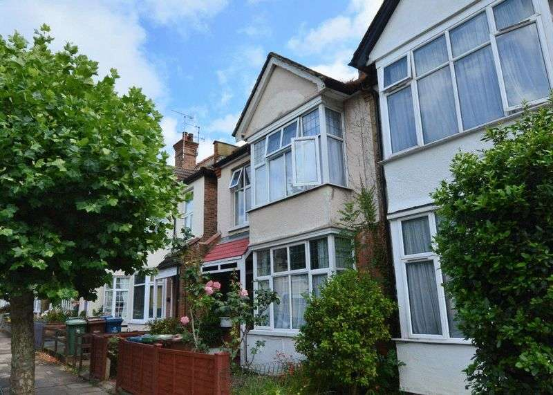 4 Bedrooms Semi Detached House for sale in Butler Road, Harrow