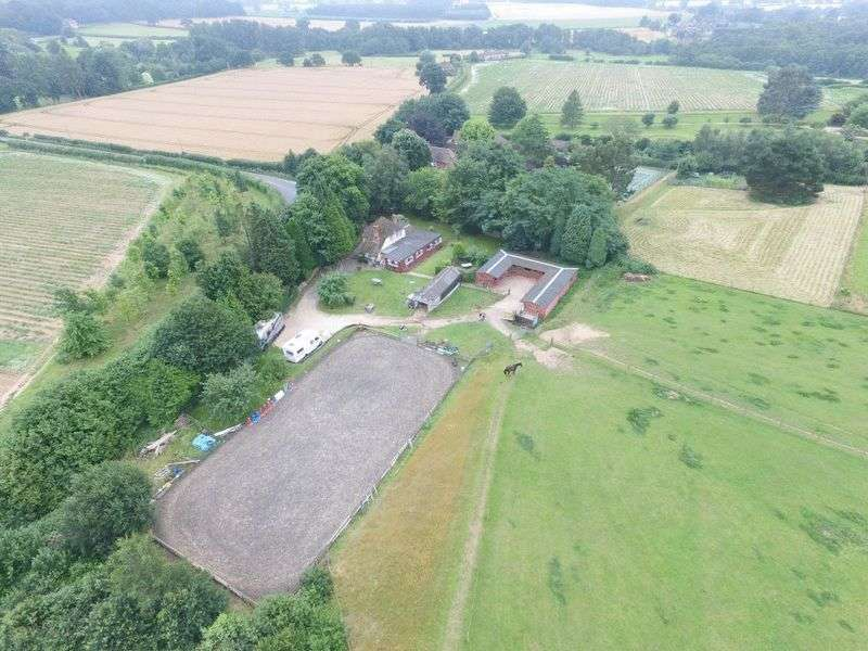 4 Bedrooms Detached House for sale in Trotton, Nr Petersfield