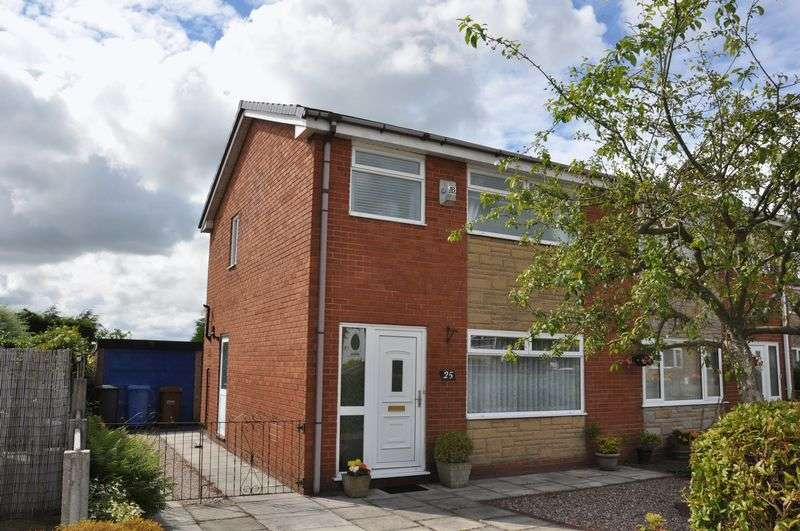 3 Bedrooms Semi Detached House for sale in Thirlmere Close, Adlington