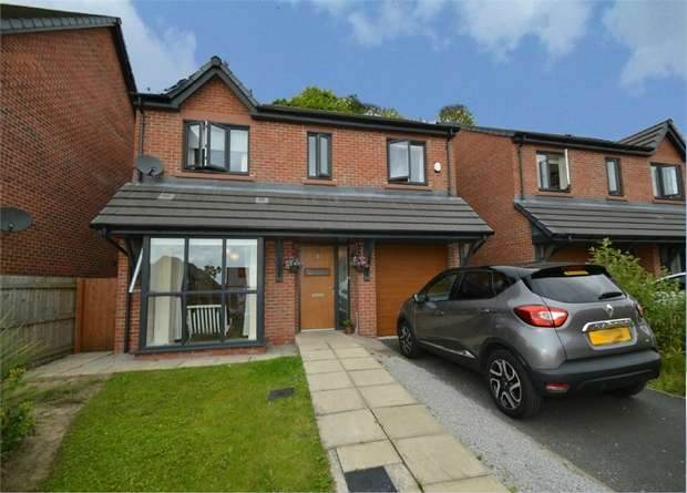 4 Bedrooms Detached House for sale in Melville Street, SALFORD, Greater Manchester