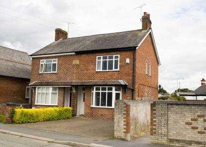 2 Bedrooms Semi Detached House for sale in Hawarden Road, Penyffordd, Chester, Flintshire, CH4