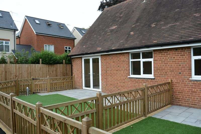 1 Bedroom Bungalow for sale in Anita Stone Court, Moor Green Lane, Moseley - ONE BEDROOM BUNGALOWS IN MOSELEY!!