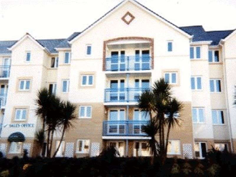 2 Bedrooms Retirement Property for sale in Windsor Court, Newquay, TR7 2DD