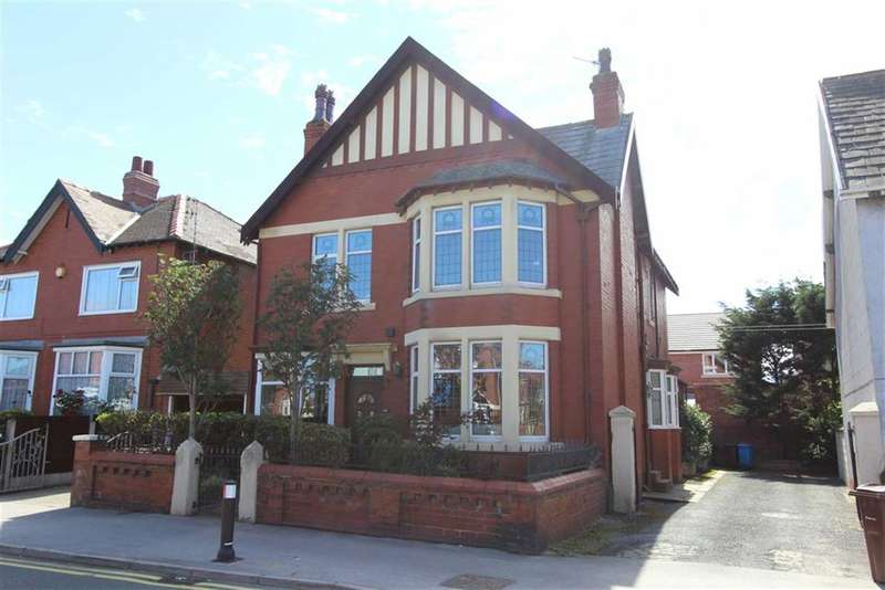 4 Bedrooms Property for sale in St Davids Road North, Lytham St Annes, Lancashire
