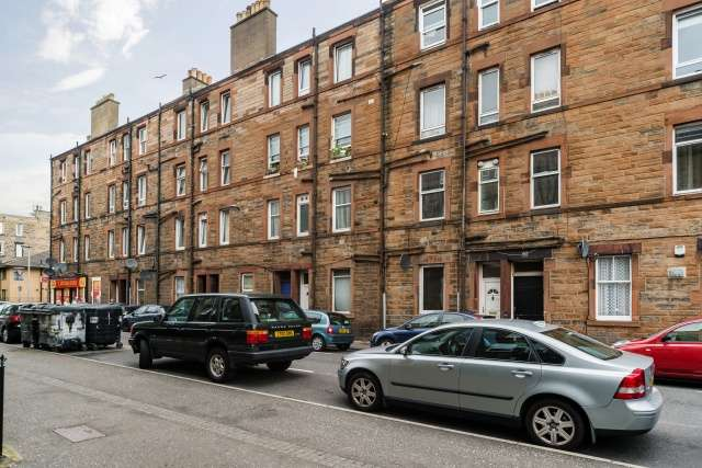 1 Bedroom Flat for sale in Restalrig Road South, Edinburgh, EH7 6JB