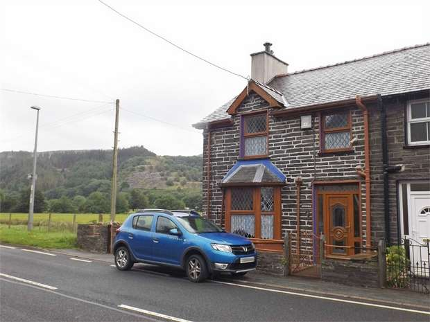 3 Bedrooms Semi Detached House for sale in Dolwyddelan, Dolwyddelan, Conwy