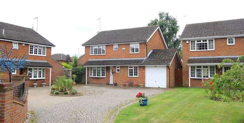 5 Bedrooms Detached House for sale in 5 BED IN EXCLUSIVE LEVERSTOCK GREEN CUL DE SAC, Edenhall Close